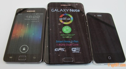 Galaxy-Note-vs-iPhone-4-vs-Samsung-Galaxy-SII
